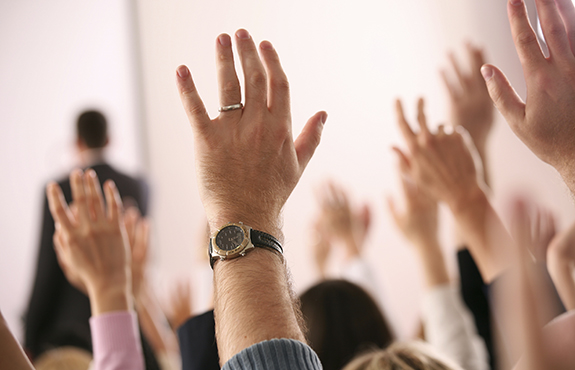 raising-hands-to-answer-questions