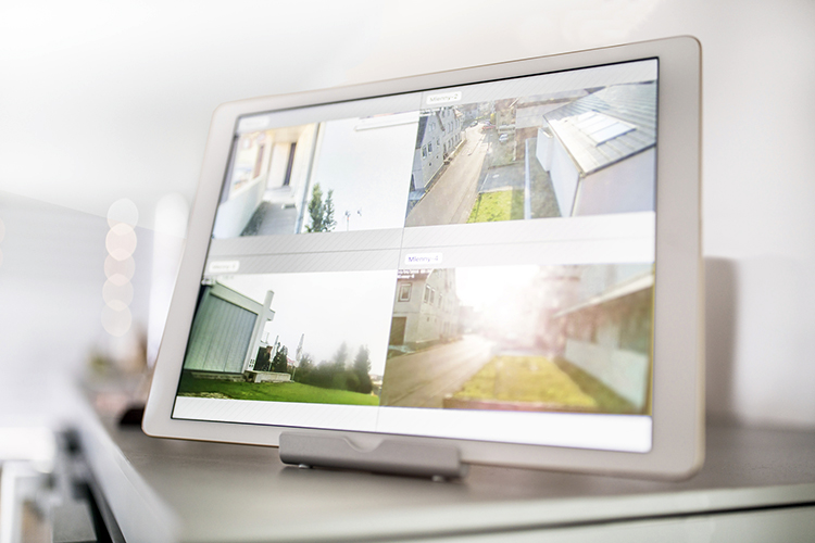 monitoring-security-cameras-footage