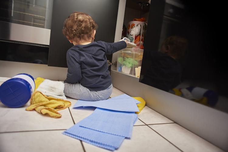baby-kitchen-dangers