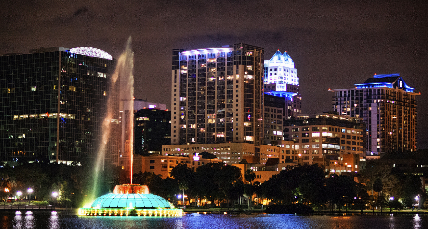 orlando-florida-downtown-at-night